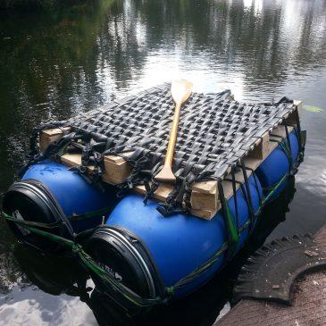 Was wird aus unseren Materialien? Wie aus Fässern & Fahrradschläuchen ein Floß wurde…