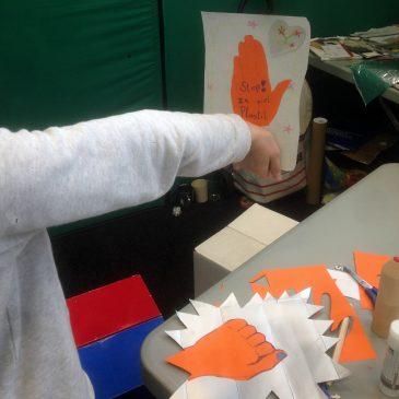 Kunst-Stoffe auf dem Berliner Entwicklungspolitischen Bildungsprogramm
